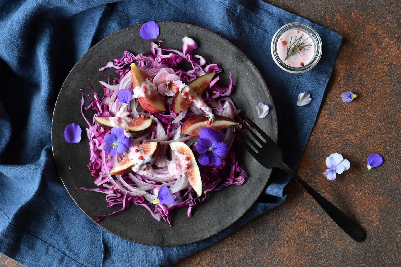 エディブルフラワー(食用花)のアントシアニンパワーサラダ